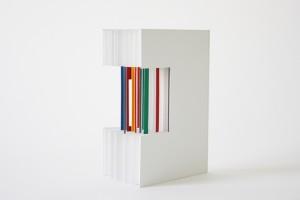 sans titre, 2012. Trois exemplaires, reliés sur onglets. Peinture à l'huile sur papier. 23 × 17,5 cm.